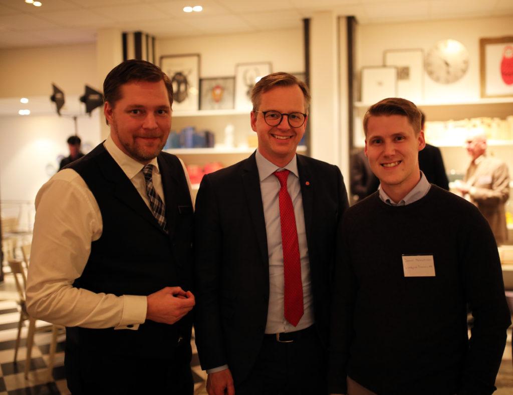 Günther Mårder, Mikael Damberg och Samuel Holmström träffades på Företagarnas politikermingel i Tändstickspalatset i Stockholm.