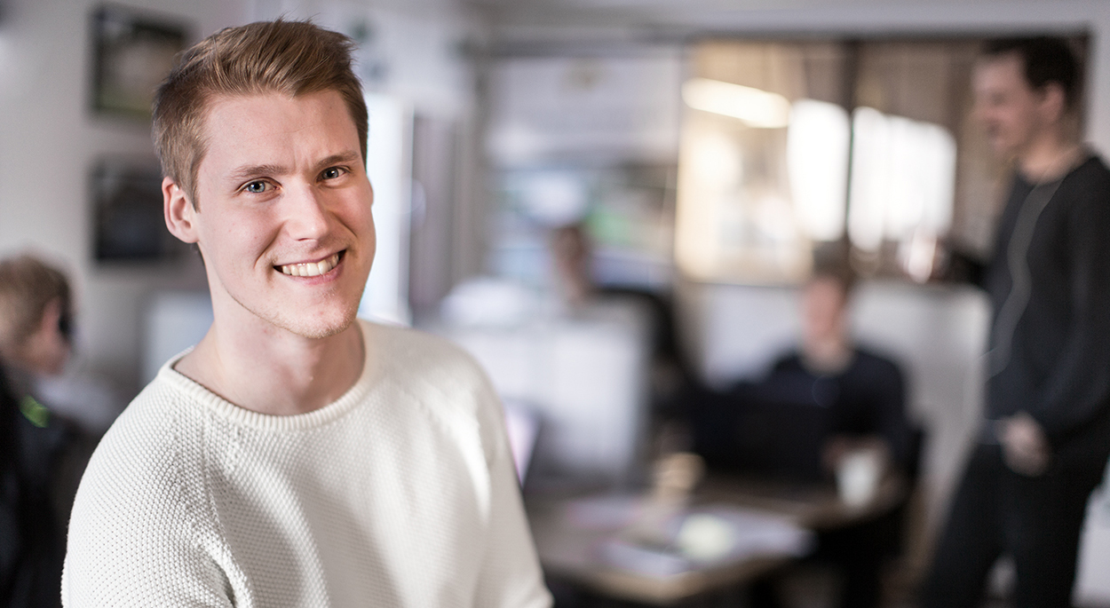 Lundqvist Trävaru AB säljer monteringsfärdiga garage, fritidshus, stall, maskinhallar med mera över nätet!