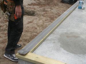 syllisolering monteras under syllbrädor