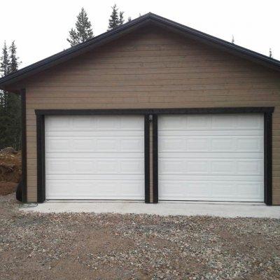 Garage med högre väggliv
