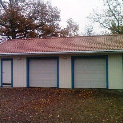 Garage med portar på långsidan
